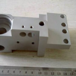 What should we pay attention to when machining CNC lathes